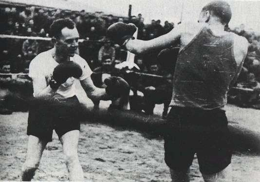 Col. Zemke vs Major Manierre boxing match
